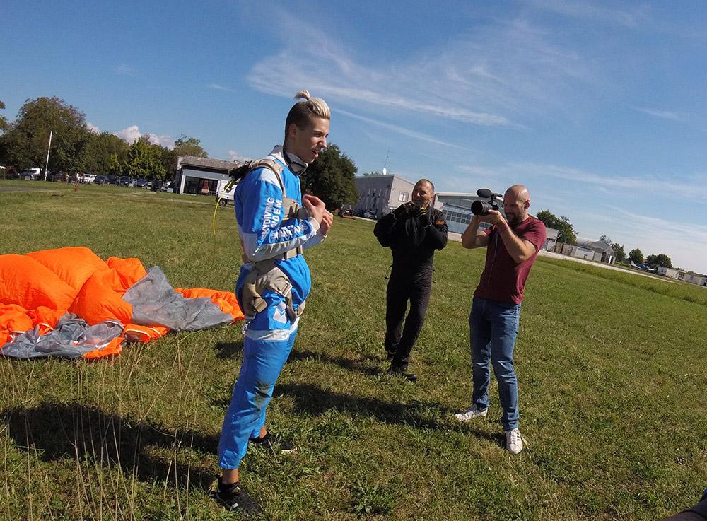 Marco Cuccurin skok padobranom s ekipom AK Tandem